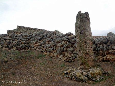 Menhir, Monte d'Accoddi